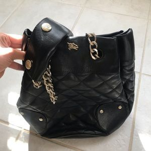 Burberry Black leather bucket bag / gold chain